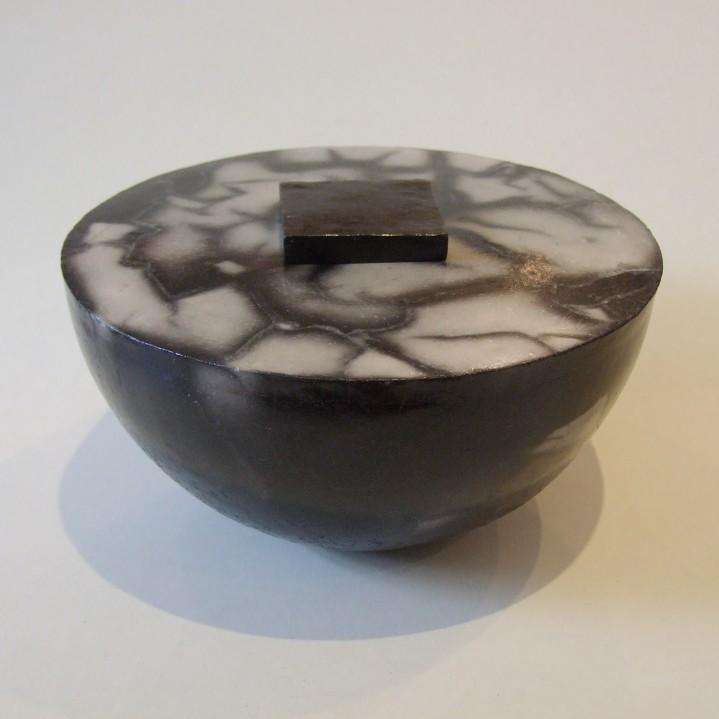 urn met vierkante sluiting