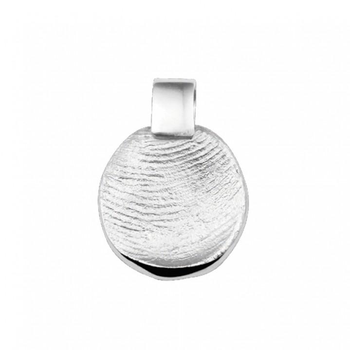 Zilveren hanger met vinger afdruk.