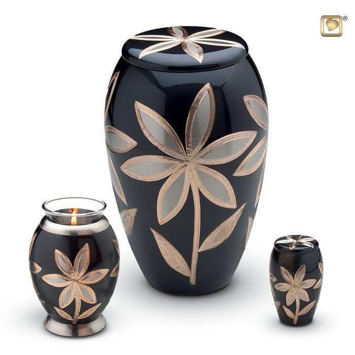 Messing urn met bloem