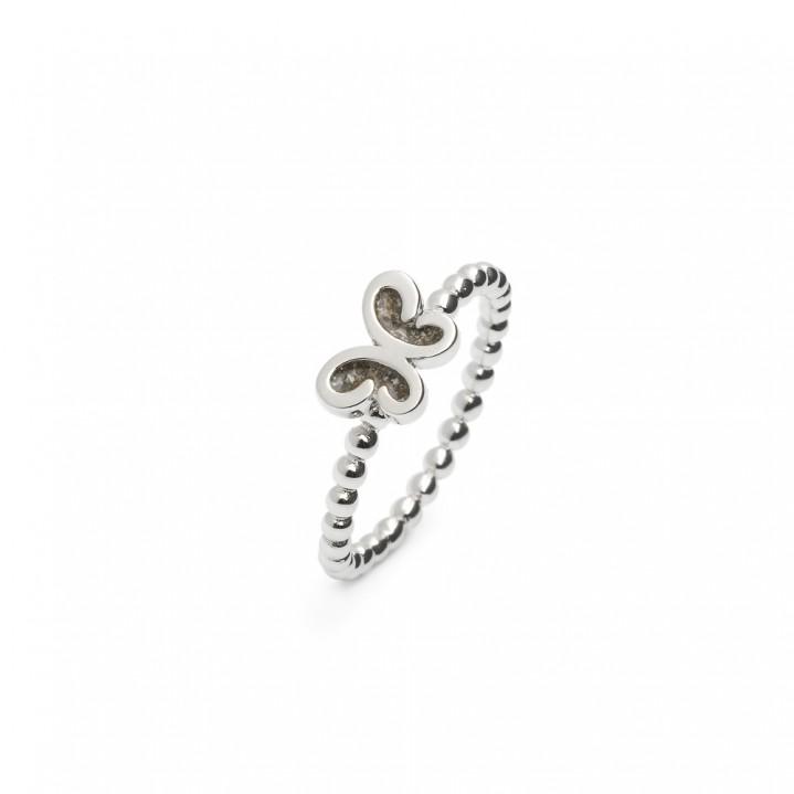 Zilveren ring, Vlinder