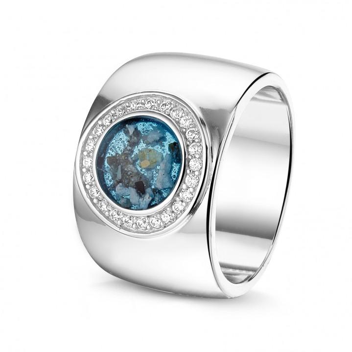 14 krt wit gouden ring met diamand.