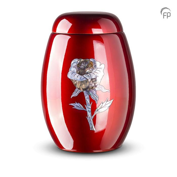 Rode urn met roos van parelmoer