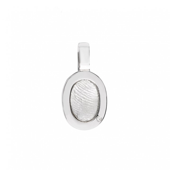 Zilveren hanger met vingerafdruk.