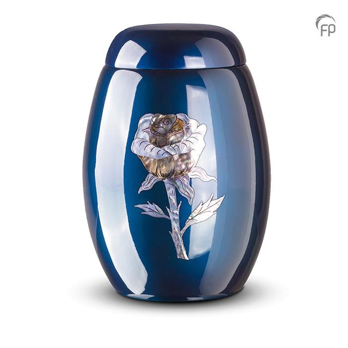 Donkerblauwe urn met roos van parelmoer