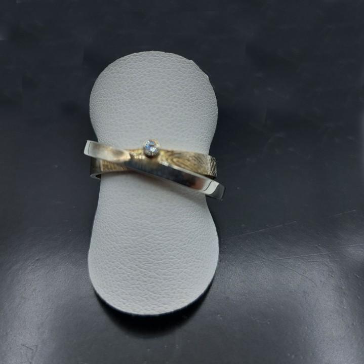 zilveren ring met Zirkonia. prijs ex. vingerafdruk